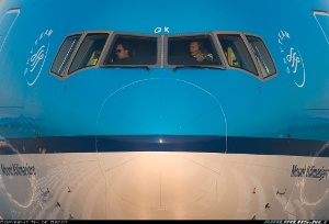 Photo ID: 1217905 Views: 108294 KLM - Royal Dutch Airlines Boeing 777-206/ER (PH-BQK) shot at Amsterdam - Schiphol (AMS / EHAM) Netherlands May 15, 2005 By Tim de Groot - AirTeamImages